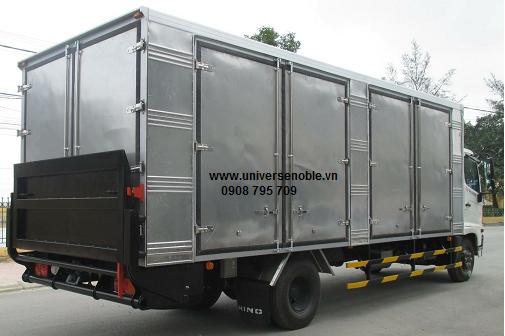 Xe tải 9 tấn Hino FG thùng kín bững nâng